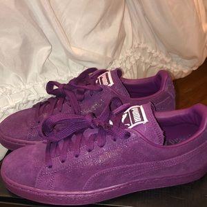 Violet glossy sparkle Puma's